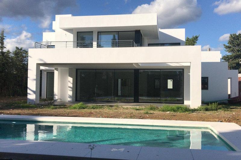 Ref:2698MLV Villa For Sale in Estepona