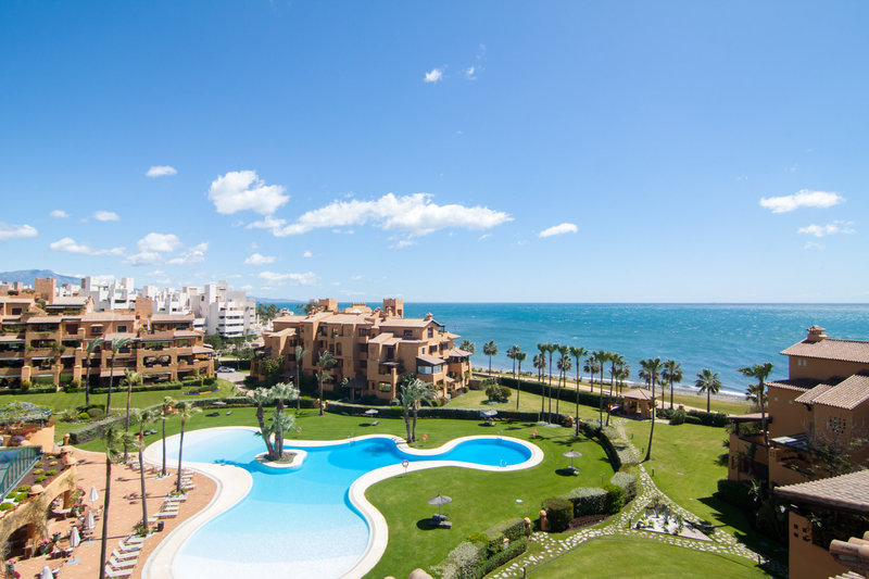 Ref:2452MLPH Penthouse For Sale in Estepona