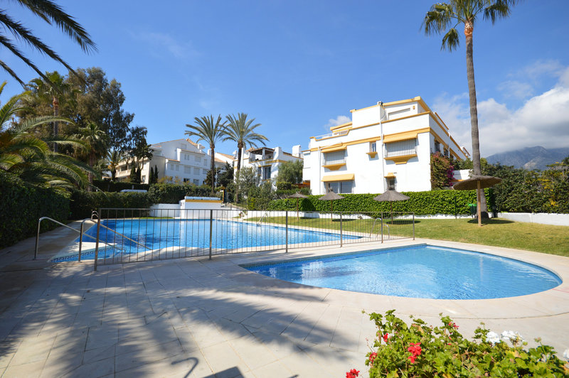 Ref:2582MLTH Townhouse For Sale in Marbella