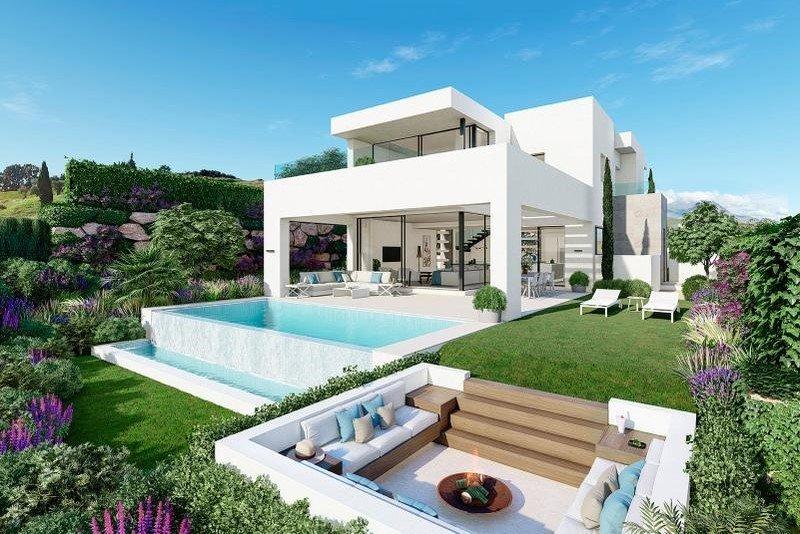 Ref:1102MLND Villa For Sale in Estepona