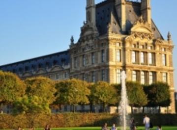 Лувр – музей-дворец