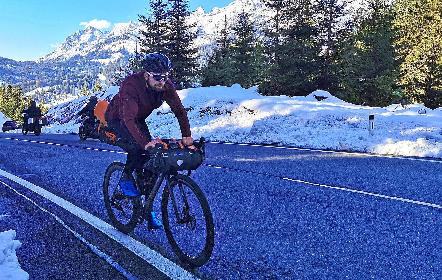 Jonas Deichmann startet Weltumrundung - Roadcycling DE