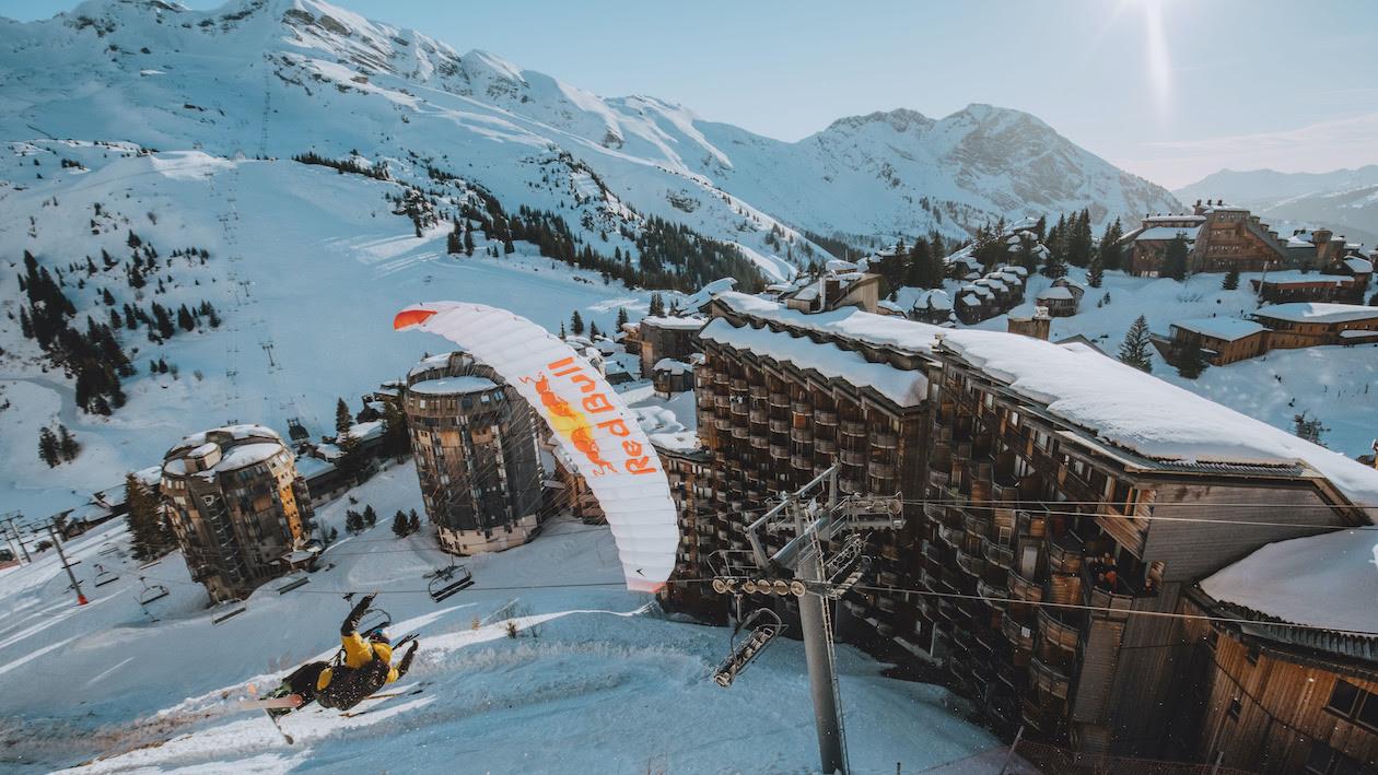 Avoriaz aus der Vogelperspektive – Speedriding mit Valentin Delluc