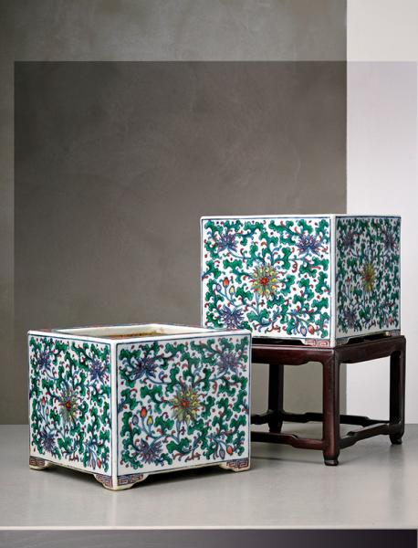 An important and rare pair of doucai square porcelain jardinieres on stands  - [...]