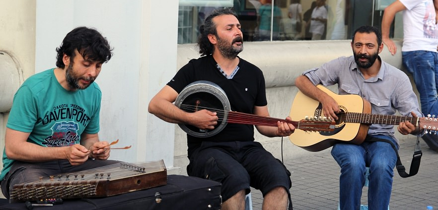 istiklal musicians