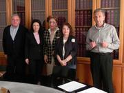 16 Aprile 2013 - presso lo studio notarile, i soci fondatori firmano l'atto costitutivo dell'Associazione - da sx Roberto Grittani (segretario e tesoriere), notaio Barbara Lombardo, Romanina Bordignon, Graziella Felappi Borghi (presidente), Silvano Massaro