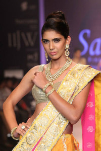 Traditional Indian Jewellery by Saboo Fine Jewels at IIJW 2014
