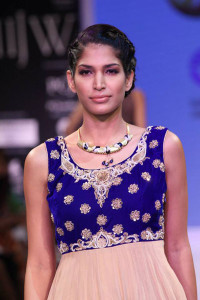 Traditional Indian Jewellery by Derewala at IIJW 2014