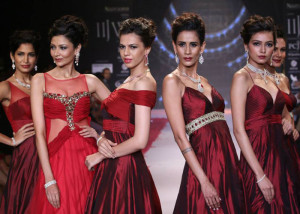 P N Gadgil Jewellers at IIJW 2014