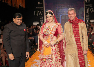 Indian bridal jewellery by Swarovski at the IIJW 2014