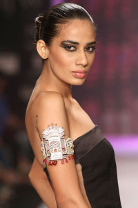 Model for Laksh Pahuja at IIJW 2014 | Indian Jewellery