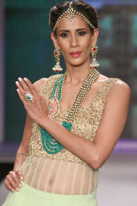 Moni Agarwal at IIJW 2014 | Polki Jewellery