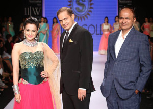 Ameesha Patel at Day 1 of IIJW | Bollywood and Indian Jewellery