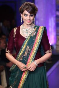 Beautiful Bipasha Basu at the India International Jewellery Week 2014