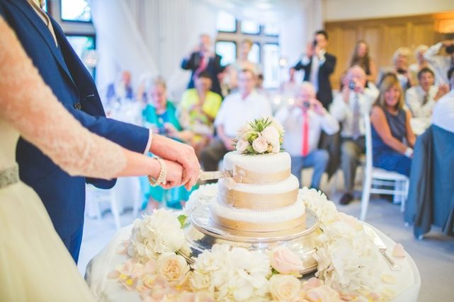Jacob and Pauline Photography - Floral Cake