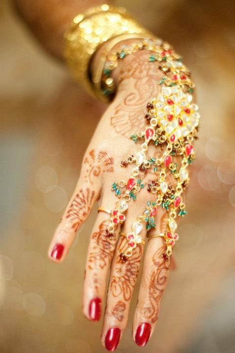 Indian bridal handpiece