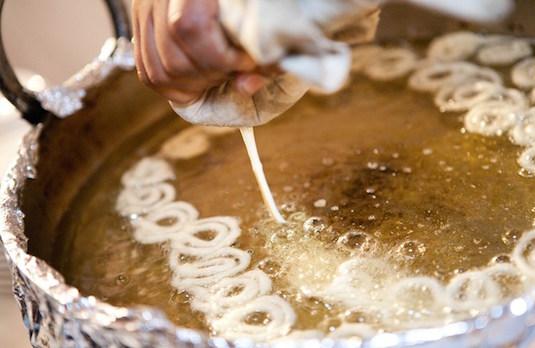 Jalebi Being Made | Mouth-Watering Indian Wedding Food