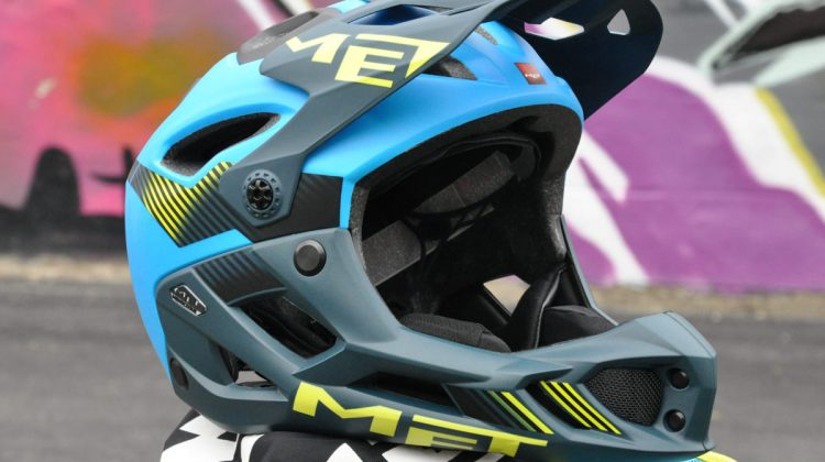 Met Parachute Bell Super 2R MIPS removeable chin protection enduro vs downhill full face helmet