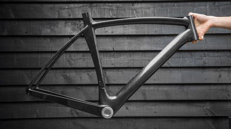#IndividuallyBritish Dassi bikes custom carbon first graphene bike bicycle frame #IndividuallyBritish