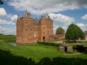 Dagtocht Tour de boer met rondvaart en Slot Loevestein