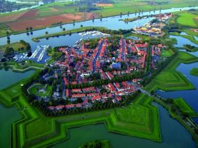 Dagtocht Middag varen over de Maas en Heusden