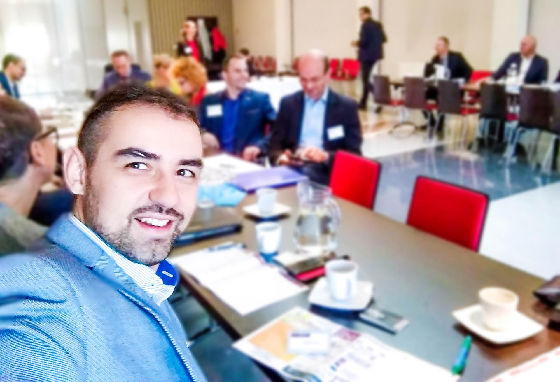 biznesowe spotkanie networkingowe