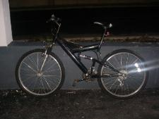 http://s3-eu-west-1.amazonaws.com/bumblebeeauction/201301/Black Mountain Bike.JPG