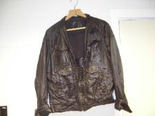 http://s3-eu-west-1.amazonaws.com/bumblebeeauction/201301/LEATHER JACKET DC120041498.JPG