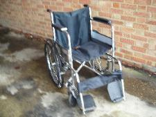 http://s3-eu-west-1.amazonaws.com/bumblebeeauction/201301/WHEELCHAIR (1).JPG