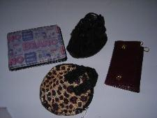 http://s3-eu-west-1.amazonaws.com/bumblebeeauction/201303/purses.JPG