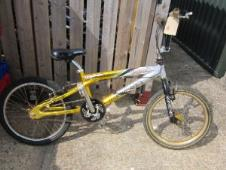 http://s3-eu-west-1.amazonaws.com/bumblebeeauction/201308/Magna Freestyle BMX - (40).jpg