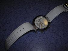 http://s3-eu-west-1.amazonaws.com/bumblebeeauction/201308/RENAULT WATCH.jpg