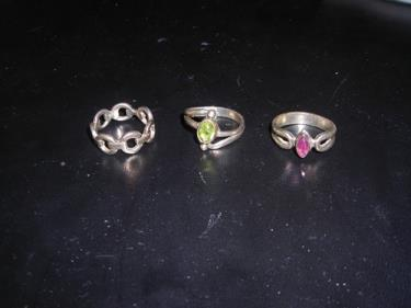 http://s3-eu-west-1.amazonaws.com/bumblebeeauction/201310/3 WM RINGS (1).jpg