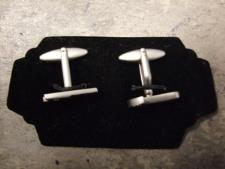 http://s3-eu-west-1.amazonaws.com/bumblebeeauction/201310/CUFF LINKS2.jpg