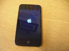 http://s3-eu-west-1.amazonaws.com/bumblebeeauction/201310/apple ipod black.jpg
