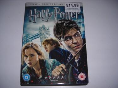 http://s3-eu-west-1.amazonaws.com/bumblebeeauction/201312/HARRY POTTER DVD (1).jpg