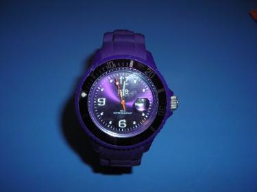 http://s3-eu-west-1.amazonaws.com/bumblebeeauction/201312/ICE WATCH.jpg