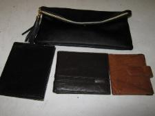 http://s3-eu-west-1.amazonaws.com/bumblebeeauction/201401/3 wallets and purse.jpg
