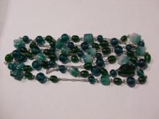 http://s3-eu-west-1.amazonaws.com/bumblebeeauction/201401/GREEN BEADS 2.jpg