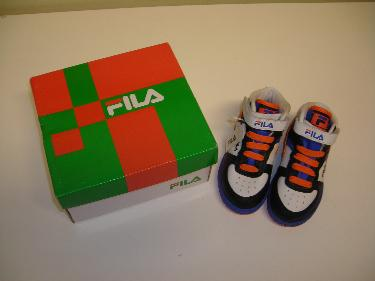 http://s3-eu-west-1.amazonaws.com/bumblebeeauction/201402/FILA FOGIA INFANT TRAINERS UK SIZE 5.JPG