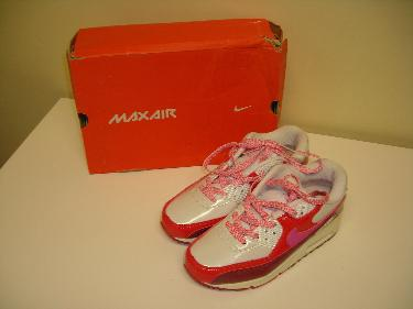 http://s3-eu-west-1.amazonaws.com/bumblebeeauction/201402/NIKE AIR MAX 90 PREMIUM WOMENS TRAINERS UK SIZE 3.JPG