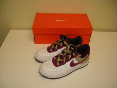 http://s3-eu-west-1.amazonaws.com/bumblebeeauction/201402/NIKE AIR MAX 90 WOMENS TRAINERS UK SIZE 3.5.JPG