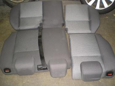 http://s3-eu-west-1.amazonaws.com/bumblebeeauction/201402/carseats (1).JPG