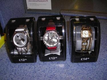 http://s3-eu-west-1.amazonaws.com/bumblebeeauction/201403/3 watches (1).jpg