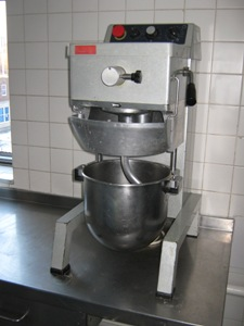 http://s3-eu-west-1.amazonaws.com/bumblebeeauction/201403/Industrial Mixer EL10_0220.JPG