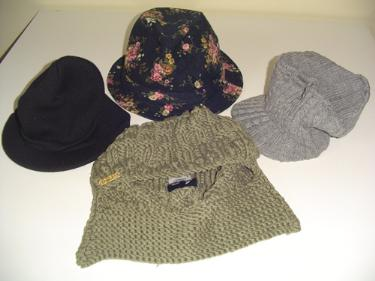 http://s3-eu-west-1.amazonaws.com/bumblebeeauction/201403/SELECTION OF HATS 23032014.jpg