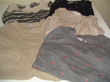 http://s3-eu-west-1.amazonaws.com/bumblebeeauction/201403/SELECTION OF LADIES JUMPERS 23032014.jpg