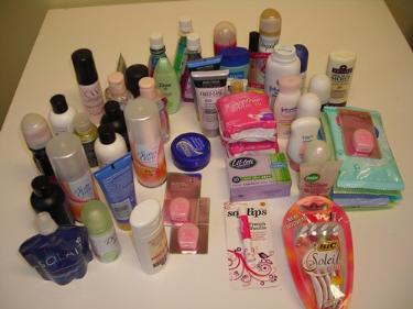 http://s3-eu-west-1.amazonaws.com/bumblebeeauction/201403/female toiletries.jpg