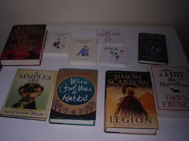 http://s3-eu-west-1.amazonaws.com/bumblebeeauction/201403/hard back books.jpg
