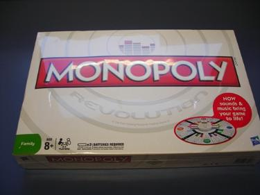 http://s3-eu-west-1.amazonaws.com/bumblebeeauction/201403/monopoly game.jpg